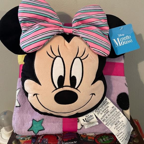 Minnie Mouse Pillow & Plush Throw Set